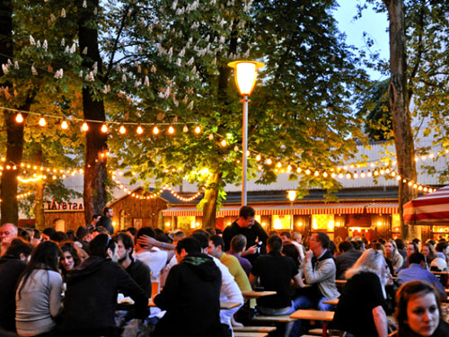 A Munich biergarten (photo credit)