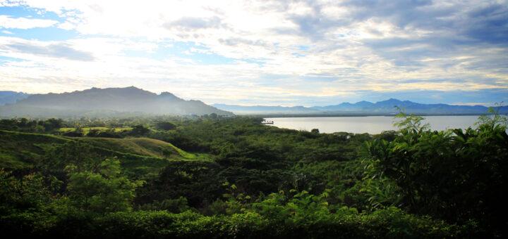 Anchorage Beach Resort, Fiji, mountain view