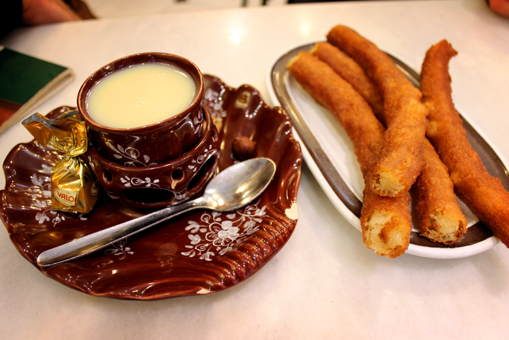 Churros con chocolate, Madrid