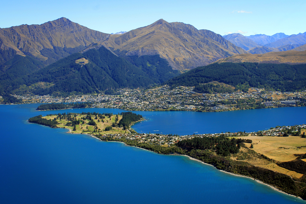 Queenstown, Air Milford, New Zealand