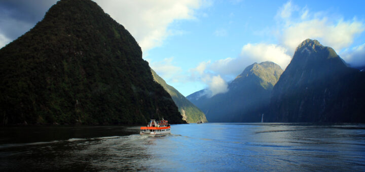 Milford Sound, Southern Discoveries cruises