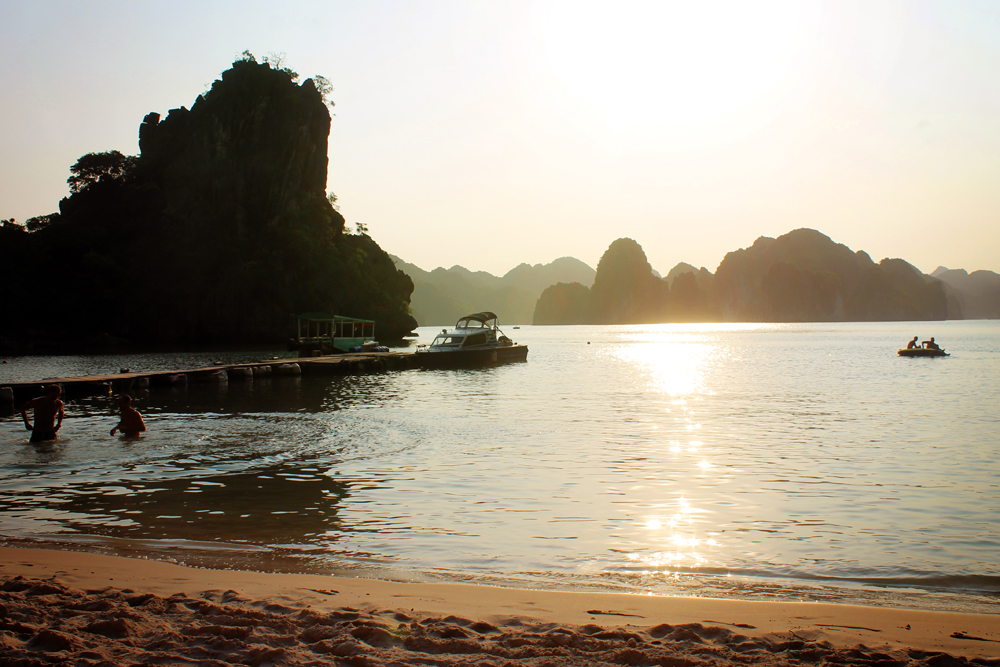 Castaways Island, Halong Bay