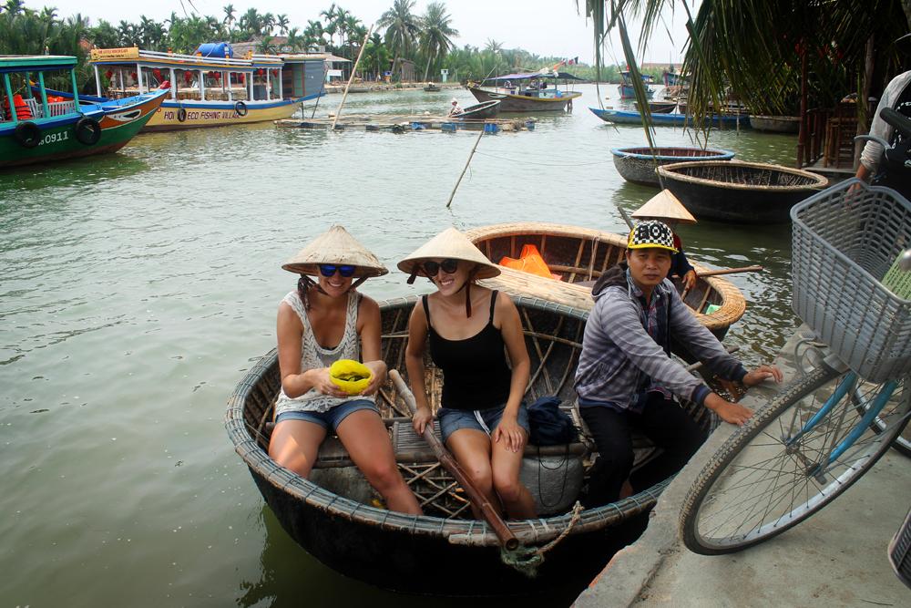 Crabfishing, Hoi An, Vietnam